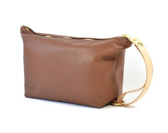 Handmade Tan Brown Leather Wash Bag Travel Bag Dopp Kit