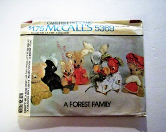 McCall's 5369 Rabbit, Wolf, Mouse, Squirrel, Woodchuck Dolls 1976