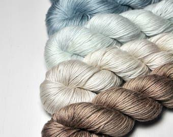 Wild shore - Gradient of Silk/Cashmere Fingering Yarn