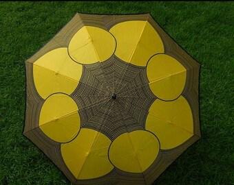 ON SALE Vintage 1970s Umbrella Parasol