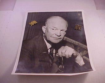 1953 Black & White Ike Dwight D Eisenhower Photograph and 2 Ike Political Campaign Pins