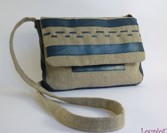 Shoulder bag in natural linen and blue iridescent leather