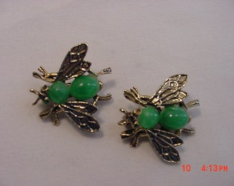 2 Vintage Fly Scatter Pins Duet Brooches  18 - 667