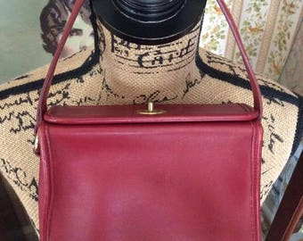 Vintage 1990s COACH Handbag Purse Red Genuine Leather COACH Creed K7C-9043 Dated To 1997 (Bonnie Cashin) Twist Lock Top Flap