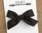 Black linen medium |Abby Bow| clip or headband