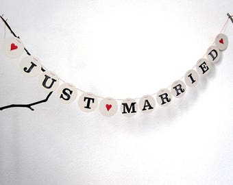 JUST MARRIED bunting // Wedding bunting for photo prob, photo booth, deco by renna deluxe
