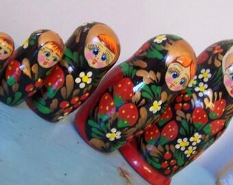 lovely girls and strawberries nesting doll set