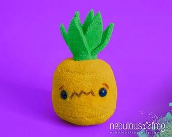 4in PINEAPPLE plush  ||  Pretend food, play food, kawaii plushy, plush toy, food plush, fruit plush, soft toy, stuffed animal, organic plush
