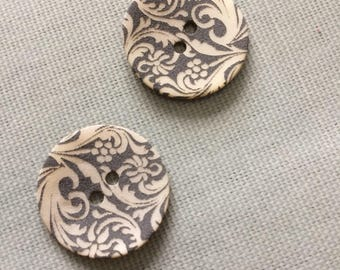 Grey and white paisley pattern shell button 17mm x 2