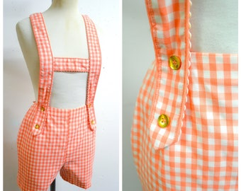 1960s Peach gingham cotton romper shorts suit / 50s 60s checked Bobbie Brooks suspender shorts playsuit - XXS XS