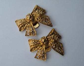 Gold plated bow shoe clips