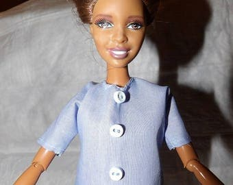 Fashion Doll Coordinates - Light blue top with button trim - es380