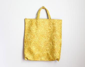 1960s mustard yellow vinyl tote bag - market shopper bag / vintage 60s gold tote bag - 60s shopper / floral vinyl tote bag - mod tote bag