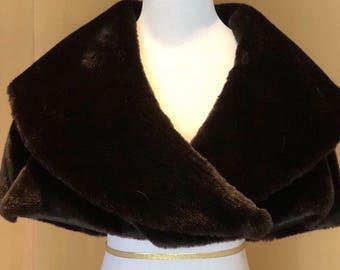 Tissavel Faux Fur Capelet/Shrug