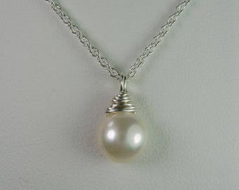 Bridesmaid Jewelry Set of 5 Single Pearl Necklace Bridesmaid Gift Real Pearl Bridesmaid Necklace Bridal Party Jewelry Wedding Jewelry