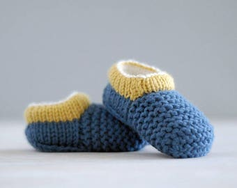 Baby booties knitting pattern - a baby shoe pattern that stays on - instant download and photo tutorial