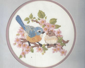 1980s Bluebird Feeding Time Picture Crewel Embroidery Kit Candamar Designs 40227 NIP Crewel Kit Designed by Diane Brakefield 10 Inch Round