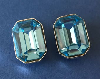 Vintage Large Aqua Marine and Bright Silver Tone Clip on Earrings