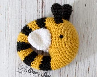Bee Rattle  - PDF Crochet Pattern -  Instant Download - Animal Rattle Crochet Nursery Baby  Shower