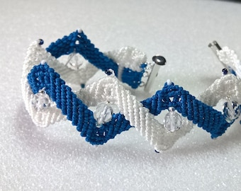 Kentucky Wildcat Blue and White Micromacrame Bracelet