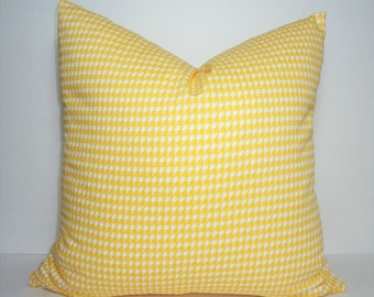 Yellow White Houndstooth Geometric Design Home Decor by HomeLiving Pillow Cover Size 18x18