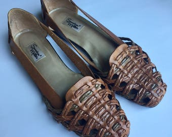 Vintage Leather Huaraches Sandals / Brown Leather Open Weave Sandals / Braided Sandals Woven Flats Woven Mules  / US 9 Euro 39 40 UK 7