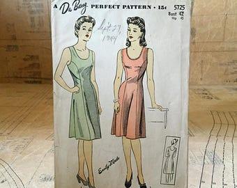 "Original 1940s Sewing Pattern. 1943 Du Barry Ladies Slip Pattern 5725. Bust 42"" Hip 45"""
