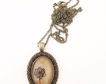 Dandelion Necklace. Hendersweet Vintage Style Necklace.