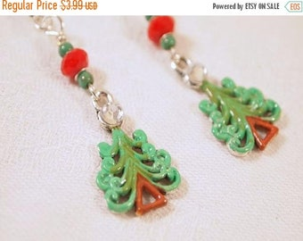 CIJ SALE Christmas Tree Earrings, Red and Green Earrings, Red and Green Beaded Dangle Pierce Earrings. CKDesings.us