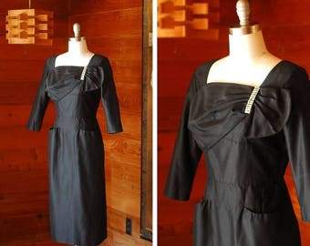 20% off weekend sale / vintage 1950s dress / 50s black cocktail dress / size medium