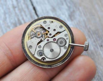 VOSTOK COMMANDING Vintage Soviet Russian wrist watch movement.