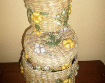 Nest of Island Straw Baskets with Lids/Vintage/Yellow Purple Floral/Set of 3