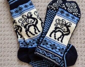 bd4a10a8f64 Wool Socks and Mittens set