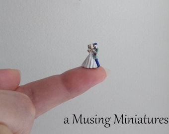 NEW Fairy Tale Wedding Cake Topper in 1:12 Scale for Dollhouse Miniature Bride and Groom or Boutique