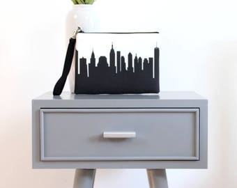 NEW YORK CITY Skyline Wristlet Clutch. Skyline Wristlet. Skyline Clutch. Twill Clutch. Skyline Silhouette Purse. Gifts for Her. Gift.