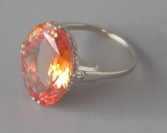1940s Sapphire Cocktail Ring in 14k White Gold. 9 carat Synthetic Peachy Padparadscha.