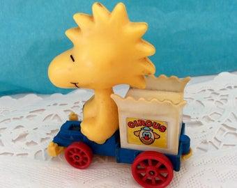 Woodstock - AVIVA 1972 - No C16 - Made in Hong Kong - Peanuts Character - Charles Shutz - Collectible Aviva Toy - 70s - vintage Pocket Car