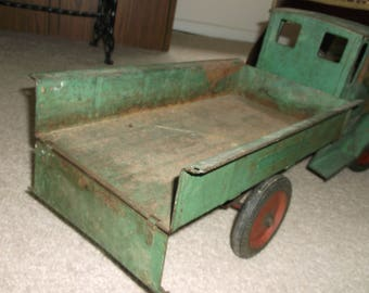 """1926  Sturditoy Antique Toy Dump Truck, Flat Steel, Pressed Steel,  27"""" Long, Original Paint, Collectible Toy Truck, Lots Of Patina"""