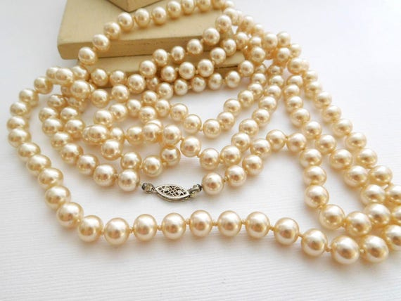 """Vintage Sterling Silver Knotted Cream Glass Pearl 55"""" Long Flapper Necklace MM1"""