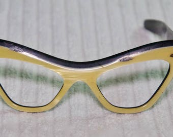 Vintage Cat Eye Pearlized Frames With Flaws