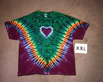 Tie Dye T-Shirt ~ Rainbow V with Aqua Scrunch w/heart and Grape (Purple) Background i8272 in XXL