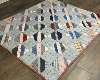 Antique Quilt / Old Blue Quilt / Handmade Quilt / Homemade Quilt / Turn Of The Century Quilt / Blue and Red Quilt
