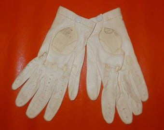 Vintage Driving Gloves 1960s White Kid Leather Driving Gloves Fine Soft Leather Made in Italy Rockabilly Mod Women's Size 6 1/2 Small
