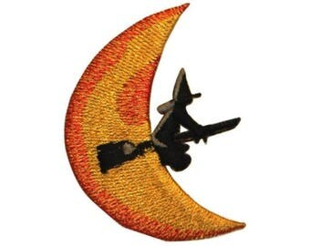 ID 0891A Witch On Broomstick Moon Patch Halloween Embroidered Iron On Applique