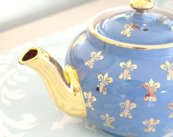 TEAPOT, Vintage Teapot with Fleur-de-lis Pattern by Hall, 6 Cup Teapot, Gifts for Her, Tea Party, Little Princess Birthday Party