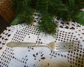 Vintage E.C. Simmons Keen Kutter Silver Plated Flatware Fork   (T)