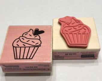 large cupcake rubber stamp, 40 mm (BB4/11)