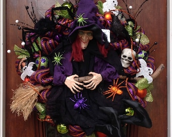 Large Laughing Witch and Spider Wreath
