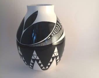 medium asymmetrical pot #22