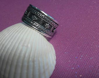 Sterling Silver Engraved Oxydized Band size 12